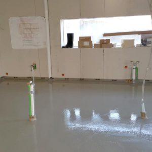 EPS-Flüssigisolierung in Kombination mit einer Fußbodenheizung